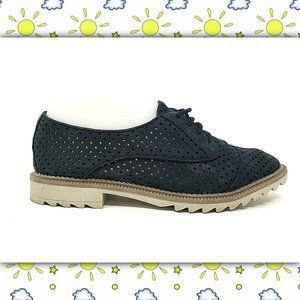 CLARKS Somerset Perforated Lace Up Flats